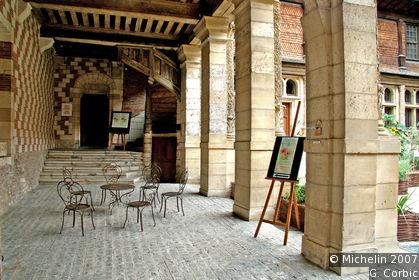 H tel de mauroy casa dell 39 attrezzo e del pensiero for Le jardin gourmand troyes