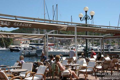 Puerto de bonifacio bonifacio la gu a verde michelin for Jardin royal niort