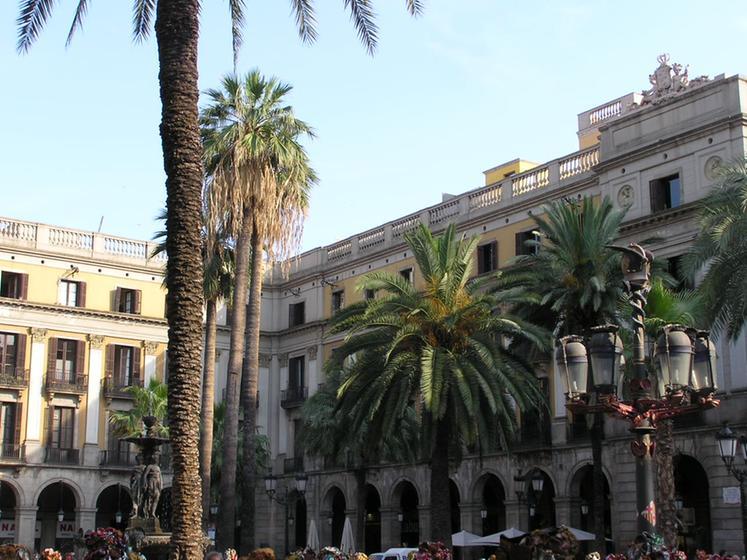 Pla a reial barcelona tourism viamichelin - Hotel reial barcelona ...