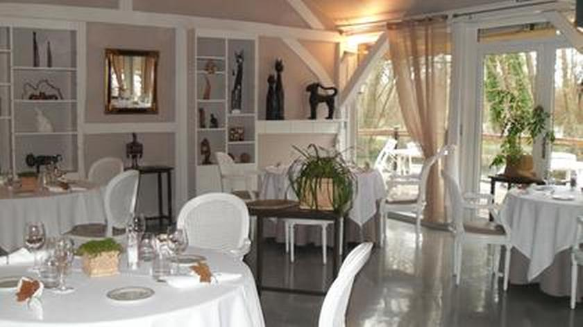 auberge de ste maure lavau un restaurant du guide michelin. Black Bedroom Furniture Sets. Home Design Ideas
