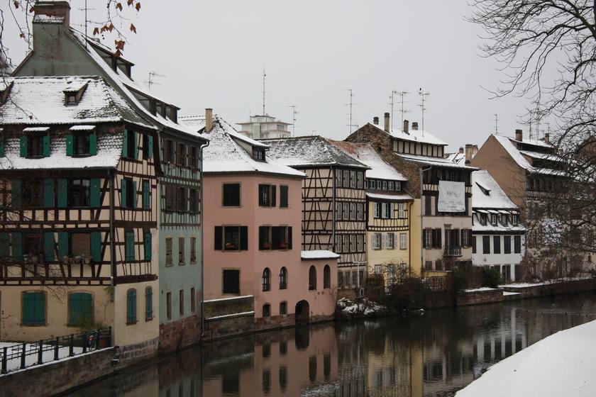 old town strasbourg tourism viamichelin. Black Bedroom Furniture Sets. Home Design Ideas