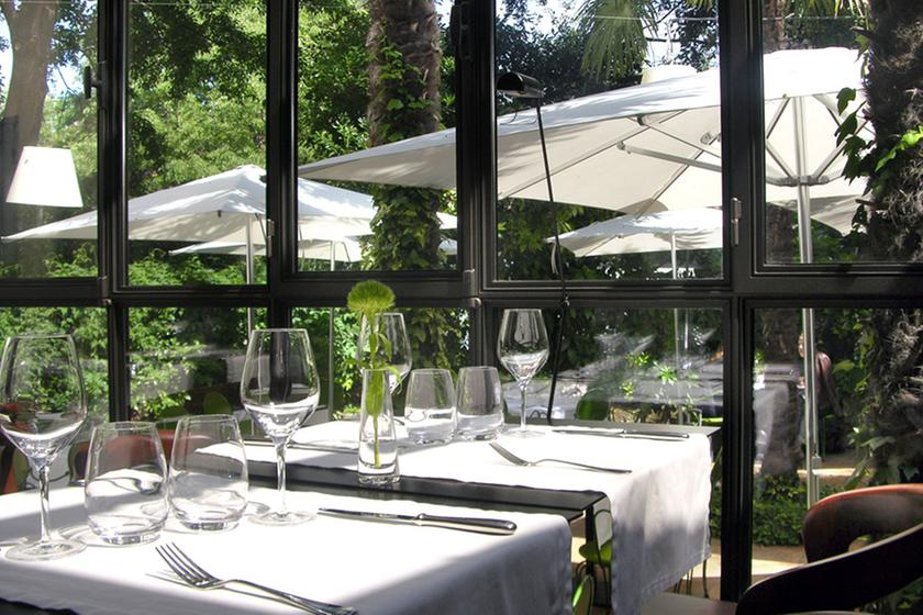 Le petit jardin montpellier a michelin guide restaurant for Restaurant jardin lee