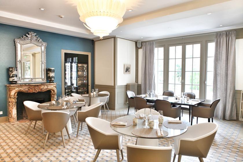 Le jardin des plumes giverny a michelin guide restaurant for Le jardin knokke michelin