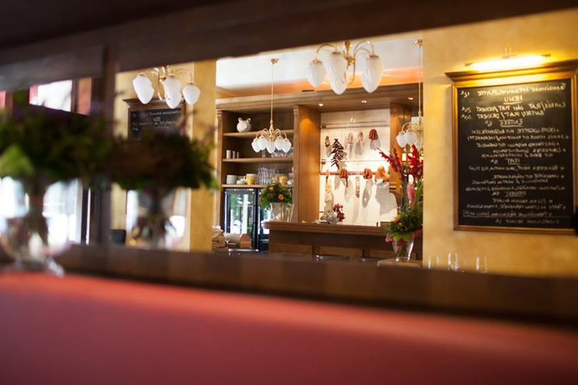 brasserie lamaz re charlottenburg restaurant uit de michelin gids. Black Bedroom Furniture Sets. Home Design Ideas
