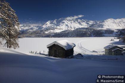 Paysage d'hiver dans le canton des Grisons