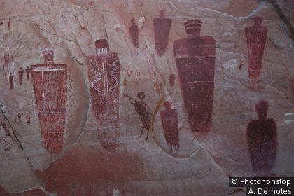 Peintures rupestres des indiens Pueblos dans l'état de l'Utah