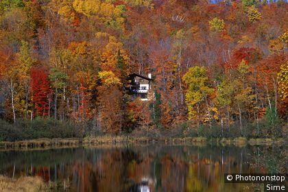 Paysage d'automne dans les Laurentides