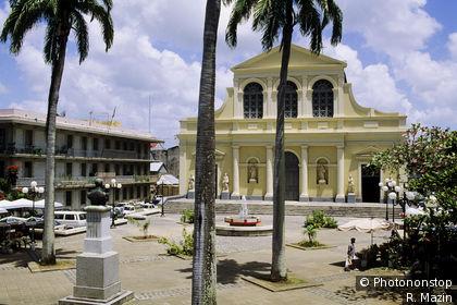 Basilique Saint-Pierre Saint-Paul à Pointre à Pitre
