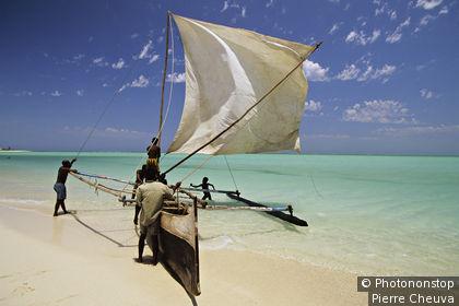 MADAGASCAR, SUD OUEST, PECHEURS A BEHELOKA