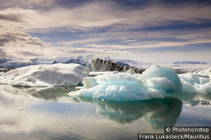 Iceland, Jukulsarlon sea, ice floes