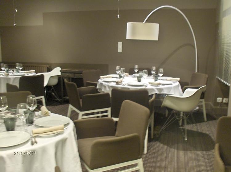 la cachette restaurant 1 toile michelin 26000 valence. Black Bedroom Furniture Sets. Home Design Ideas