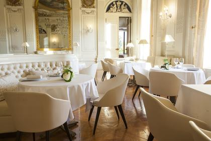 restaurants 77164 ferri res en brie michelin restaurants. Black Bedroom Furniture Sets. Home Design Ideas