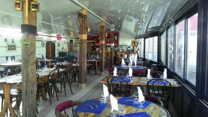 joaline coquillages restaurant poissons fruits de mer 13230 port louis du rh 244 ne