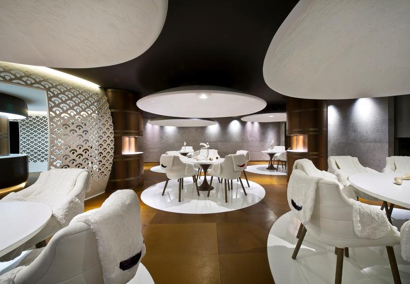 Le 1947 restaurant 2 toiles michelin 73120 courchevel 1850 for Michelin hotel france