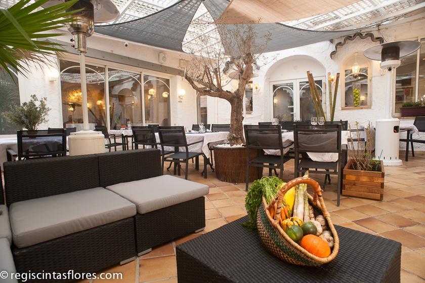 la table du roy restaurant gastronomique 13300 salon. Black Bedroom Furniture Sets. Home Design Ideas