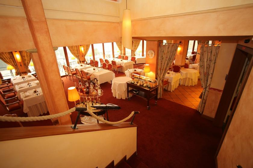 chez eric restaurant poissons fruits de mer 79104 freiburg im breisgau michelin restaurants. Black Bedroom Furniture Sets. Home Design Ideas
