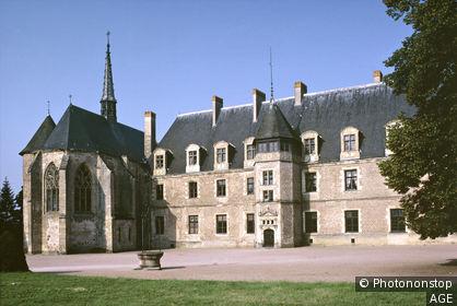 03. Lapalisse, extérieur du château
