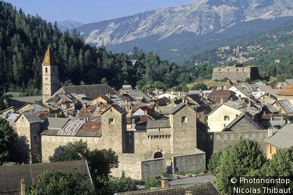 Colmars, vue générale du village fortifié