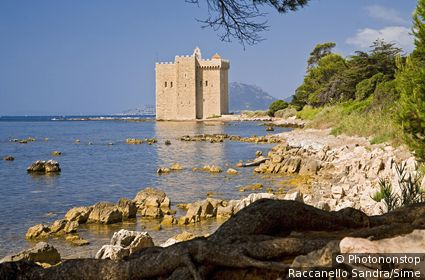 Saint Honorat, Old Fortified Cisterian Monastery.