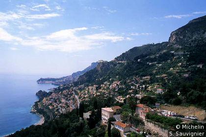 Moyenne corniche, vue sur Monaco