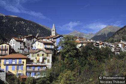 Saint-Martin-Vesubie (vallée de la Vesubie) le village (Parc National du Mercantour, Zone Périphérique)