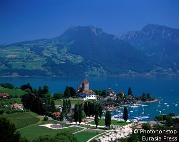 Switzerland, Alps, Spiez, Lake Thun.