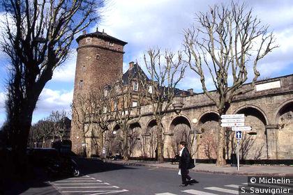 Palais épiscopal et tour Corbières