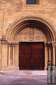Eglise St Michel (portail)