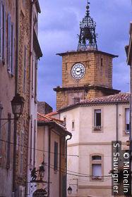 Guide de voyage salon de provence le guide vert michelin for Porte de l horloge salon de provence