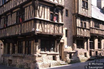 Maisons à colombages, angle rue St Martin / rue des Ursulines