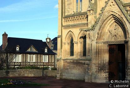 Eglise et manoir presbytéral du 18ème