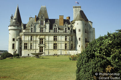 16. La Rochefoucauld, le château