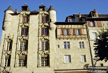 19. Tulle, façade de la maison de Loyac (16ème s.)