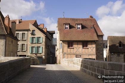 France, Aubusson, 23, chaussée du pont de La Terrade.