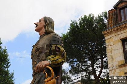 Cyrano de Bergerac sur la place Pélisière