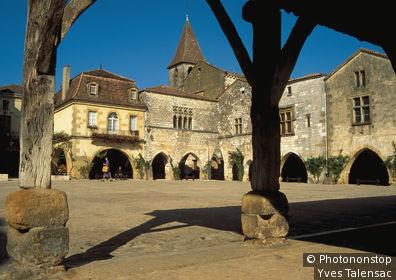 Bastide de Monpazier, place