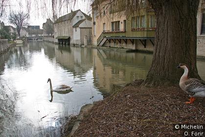 Vue le long de l'Eure en prenant la rue de la Tannerie