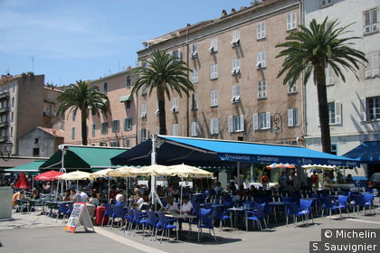 Restaurants sur le port