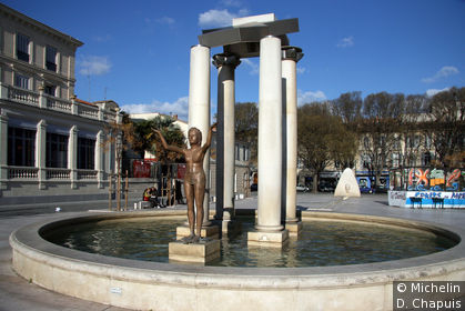Fontaine sur la Place d'Assas