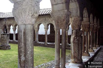 Cloître Cathédrale Ste Marie: pilier des 4 Evangélistes