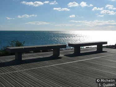 Vue depuis le ponton du théatre de la mer