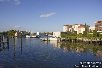 Houses in Venetian Bay, Naples, Florida, USA