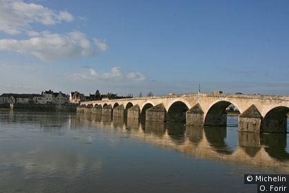 Le vieux pont vu de Gien