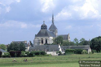 L'abbaye de Fleury et sa basilique.