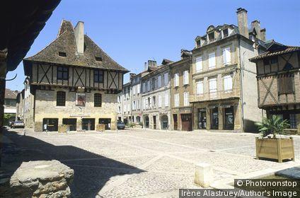 Lot - ségala - Saint-Céré - Place du Mercadial - maison du consul