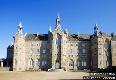 56. Abbaye Saint Michel de Kergonan