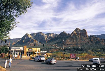 usa, Arizona, Sedona, streets, businesses, cars, tourists, North America, city, stores, people, tourist attraction, streets scenery, traffic, vehicles, destination, tourism,