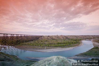 Canada, Alberta, Lethbridge, oldman River, railroad-bridge, sunset, North America, destination, sight, river, historically, bridge, architecture, bridge-architecture, High Level bridge, heaven, clouds, red,