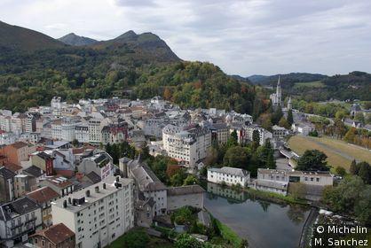 vue de la ville depuis le château fort