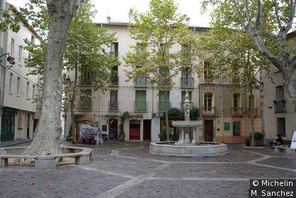 place et fontaine de la vieille ville